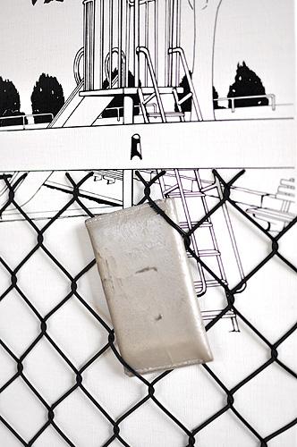 「フェンス越しの遊具」  イメージ6